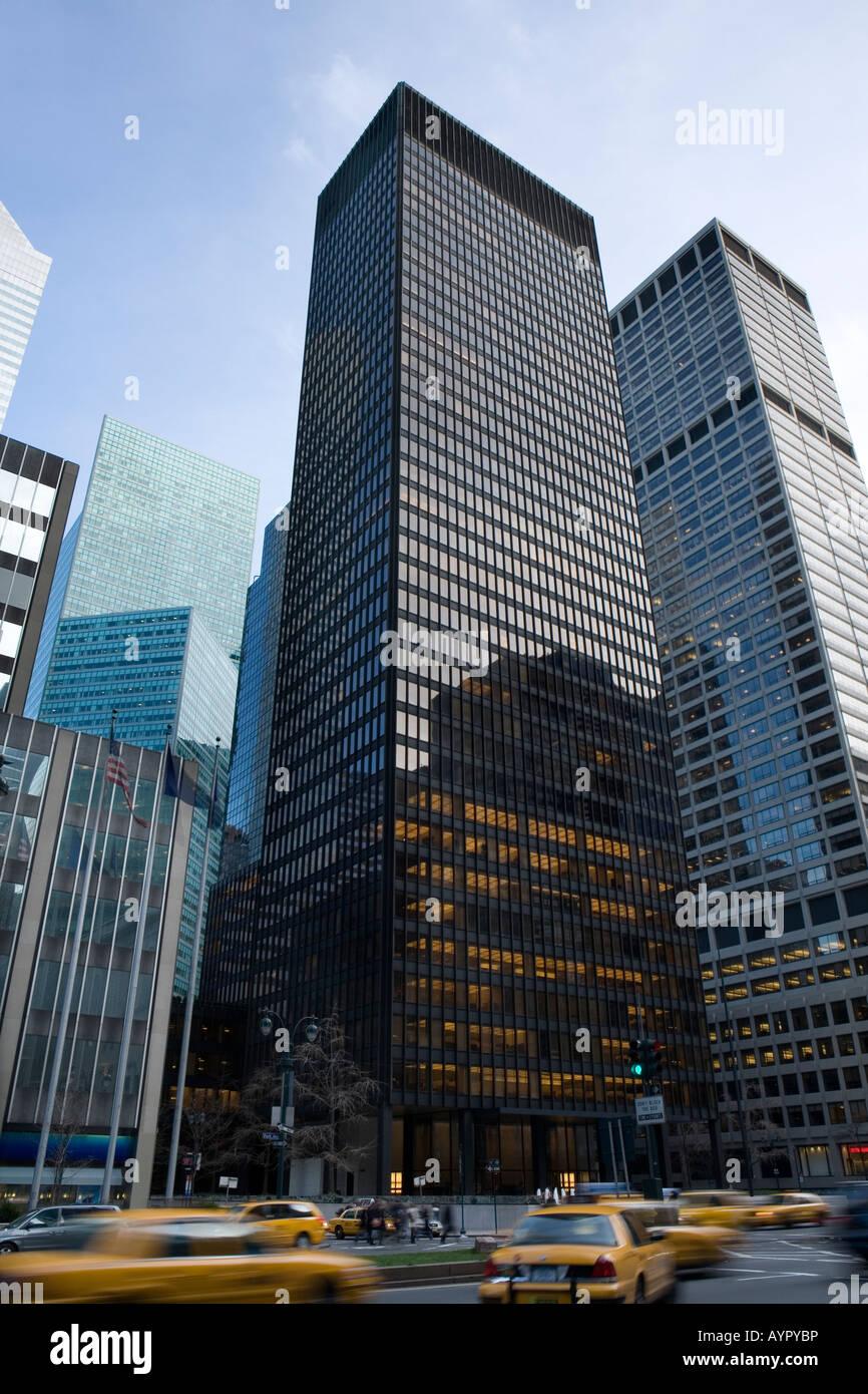 Seagram Building midtown New York City Mies van der Rohe and Philip Johnson International  Style skyscraper