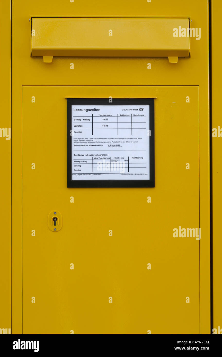 Yellow mailbox - Stock Image