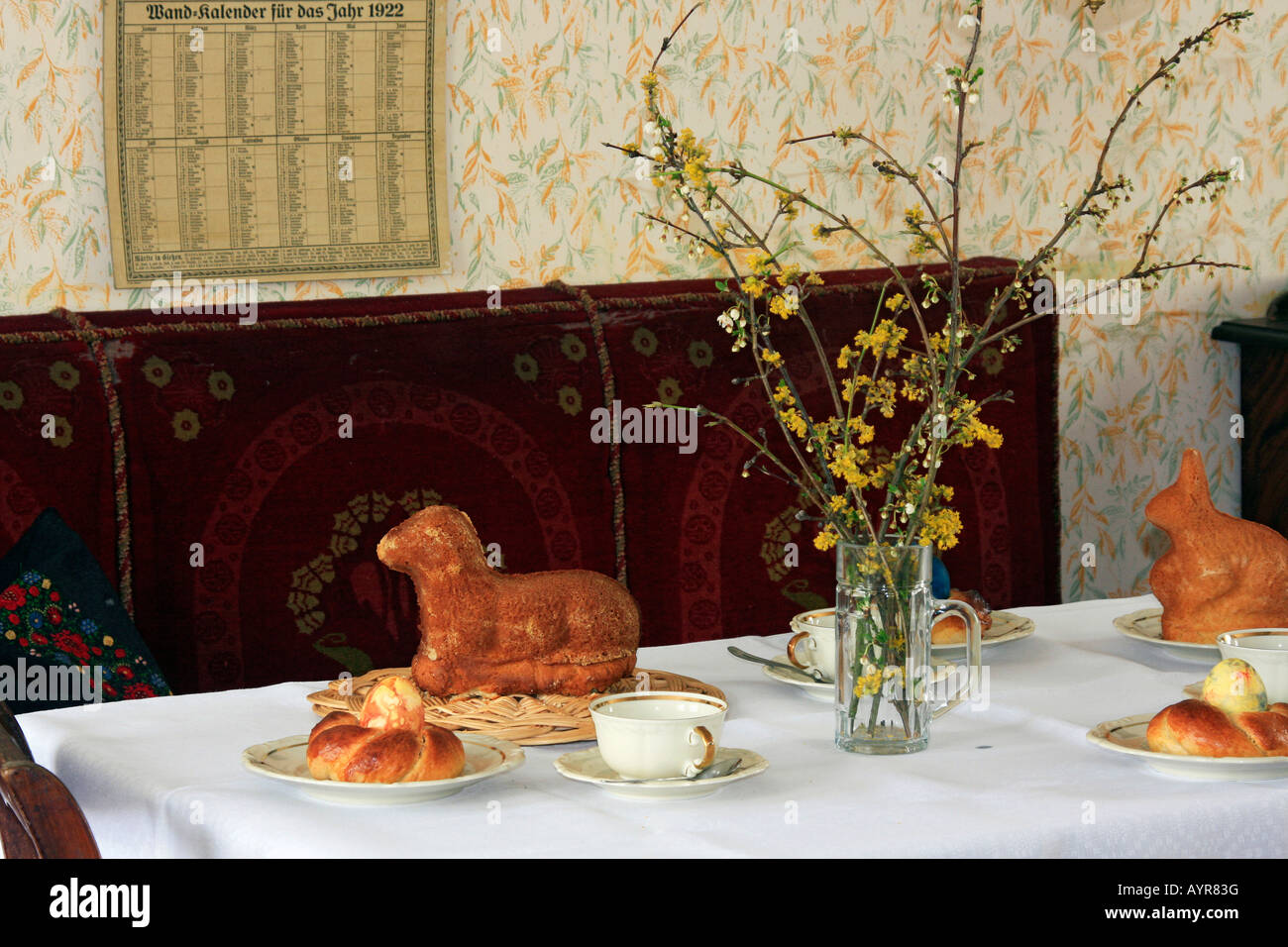 1920s living room, Easter decorations and baking, Hessenpark, Neu-Anspach, Taunus, Hesse, Germany - Stock Image