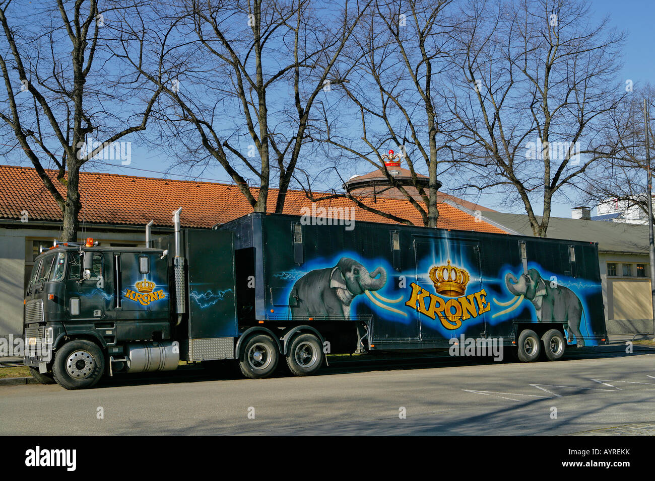 truck used to transport circus animals circus krone munich stock photo 17168262 alamy. Black Bedroom Furniture Sets. Home Design Ideas