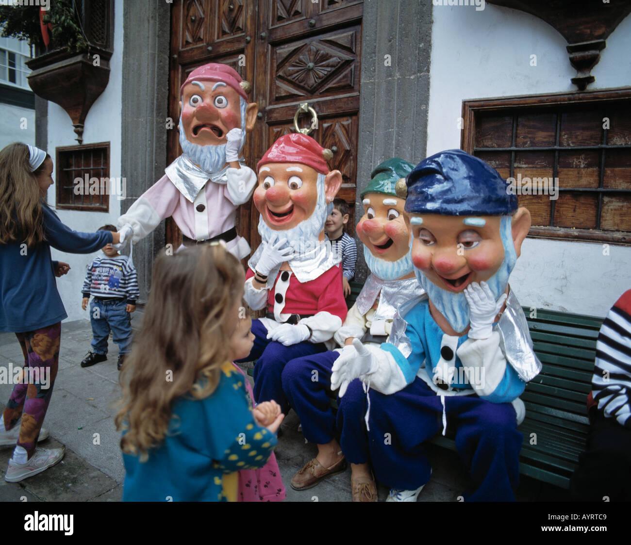 Spain, La Palma, Canary Islands, E-Santa Cruz de la Palma, Plaza de Espana, people, Christmas custom - Stock Image