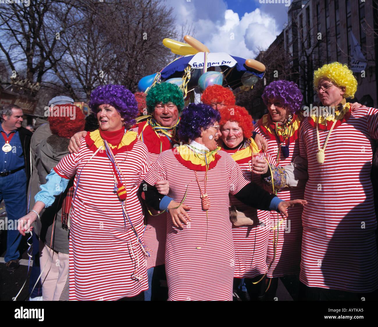 2012 feb 20 rosenmontag teil 2 das wachs muss ab - 3 6