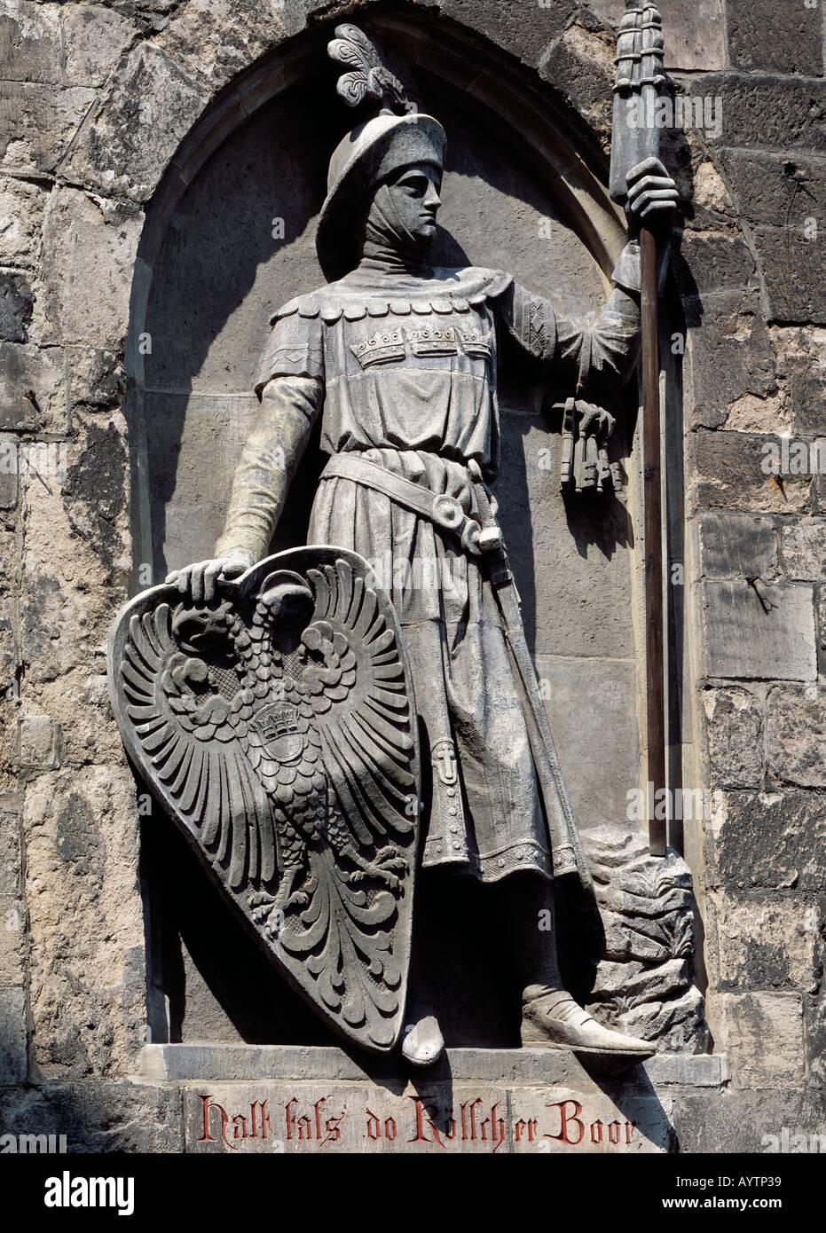 Roemisches Stadttor, Eigelsteintor, Darstellung Roemischer Krieger mit Wappenschild, Soldat, Skulptur, Statue, Steinplastik, Stock Photo
