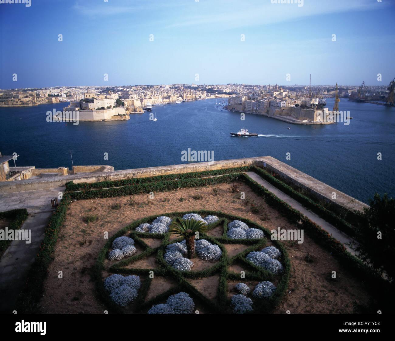 Upper Barraca Gardens, Grand Harbour mit Blick auf Vittoriosa und Senglea, Valletta, Malta - Stock Image