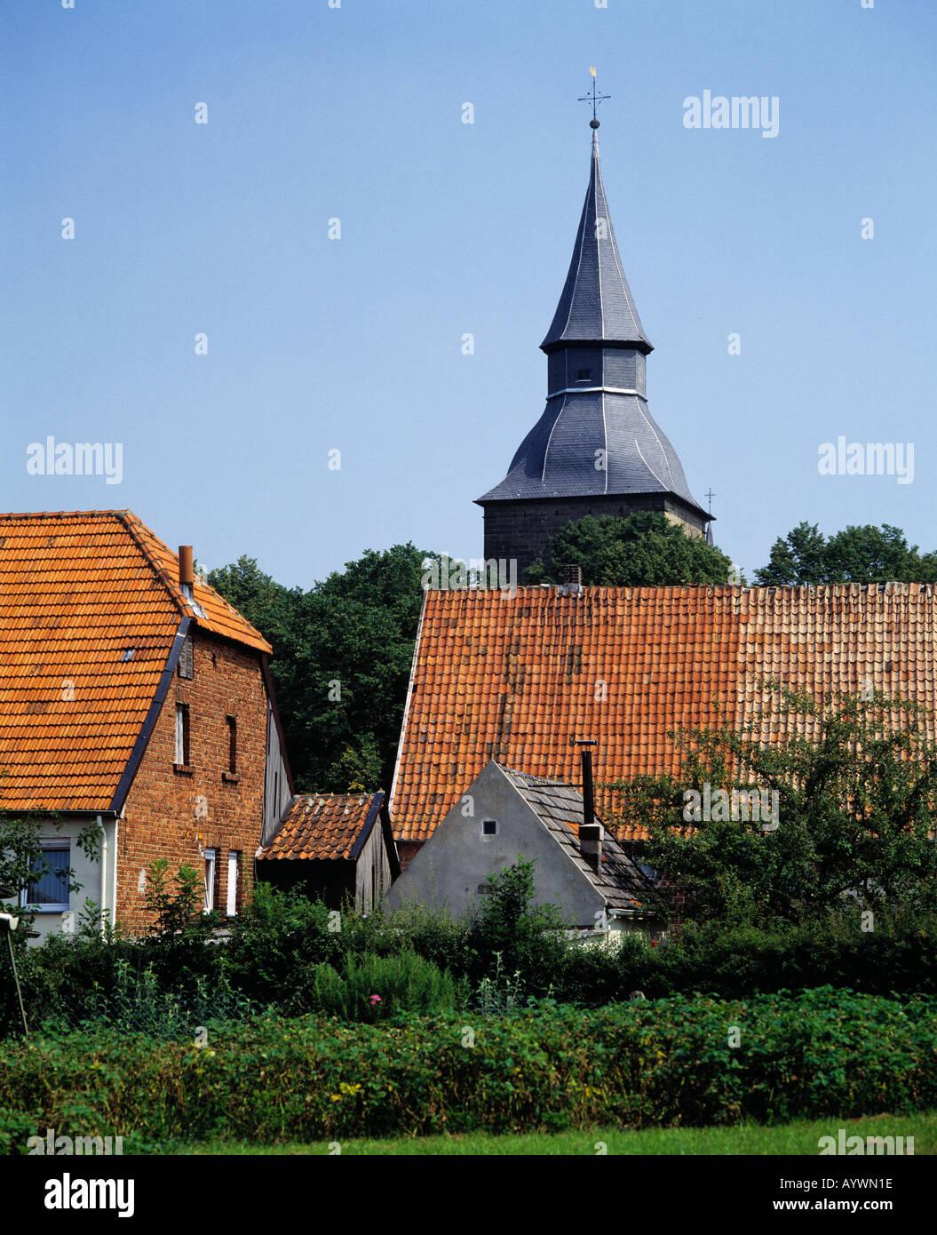 St. Johanneskirche in doerflicher Idylle in Ruethen, Naturpark Arnsberger Wald, Sauerland, Nordrhein-Westfalen Stock Photo