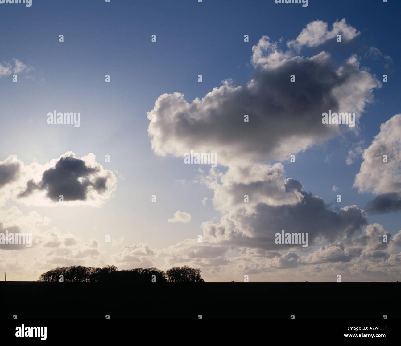 Wolkenstimmung, dunkle Wolken am Himmel - Stock Image