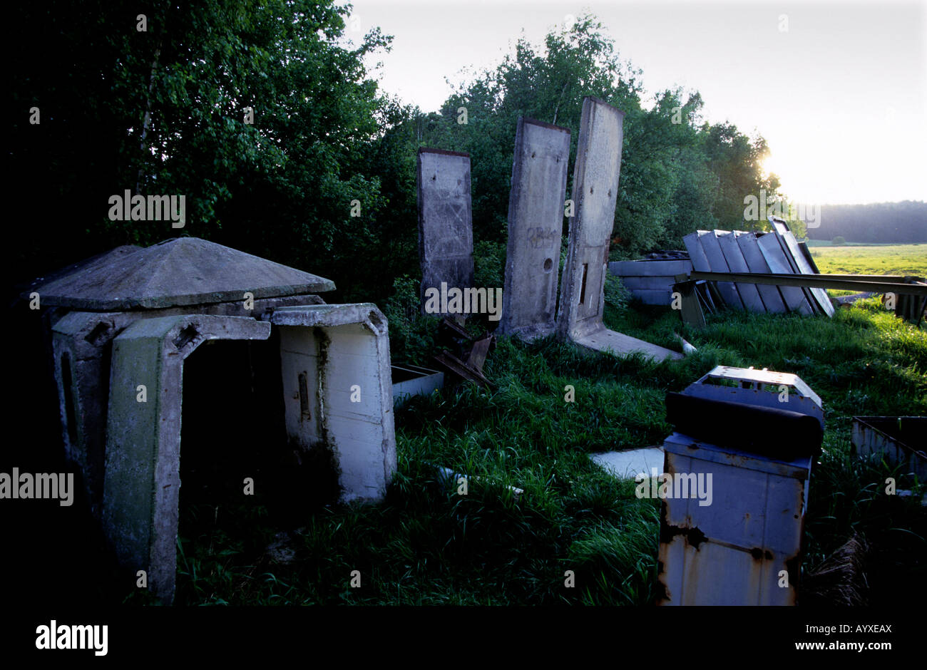 GERMANY DDR MODLAREUTH MUSEUM DIVIDED VILLAGE WALL - Stock Image