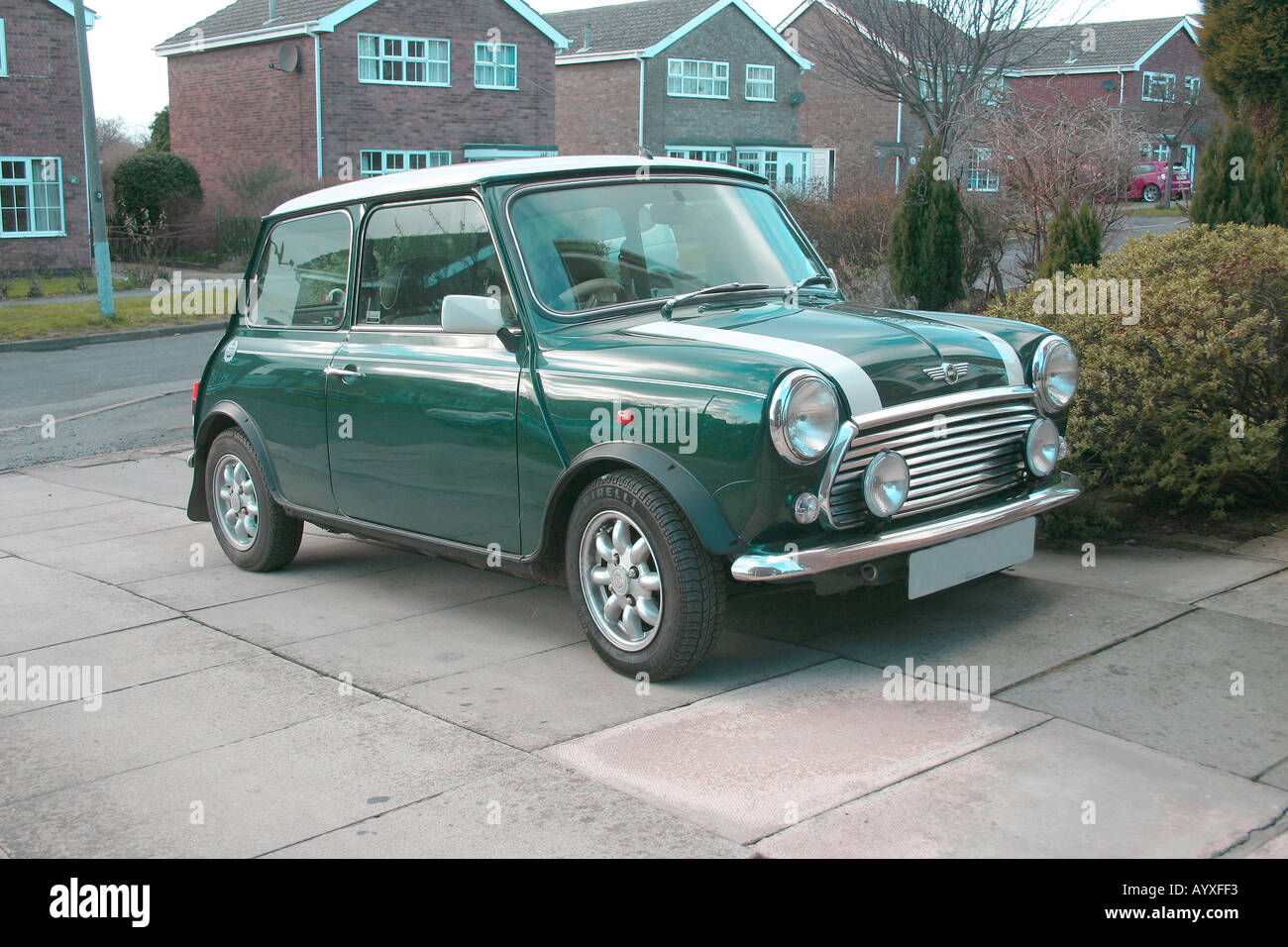 Classic British Racing Green Mini Cooper 1997 Model With 1275 Ccs