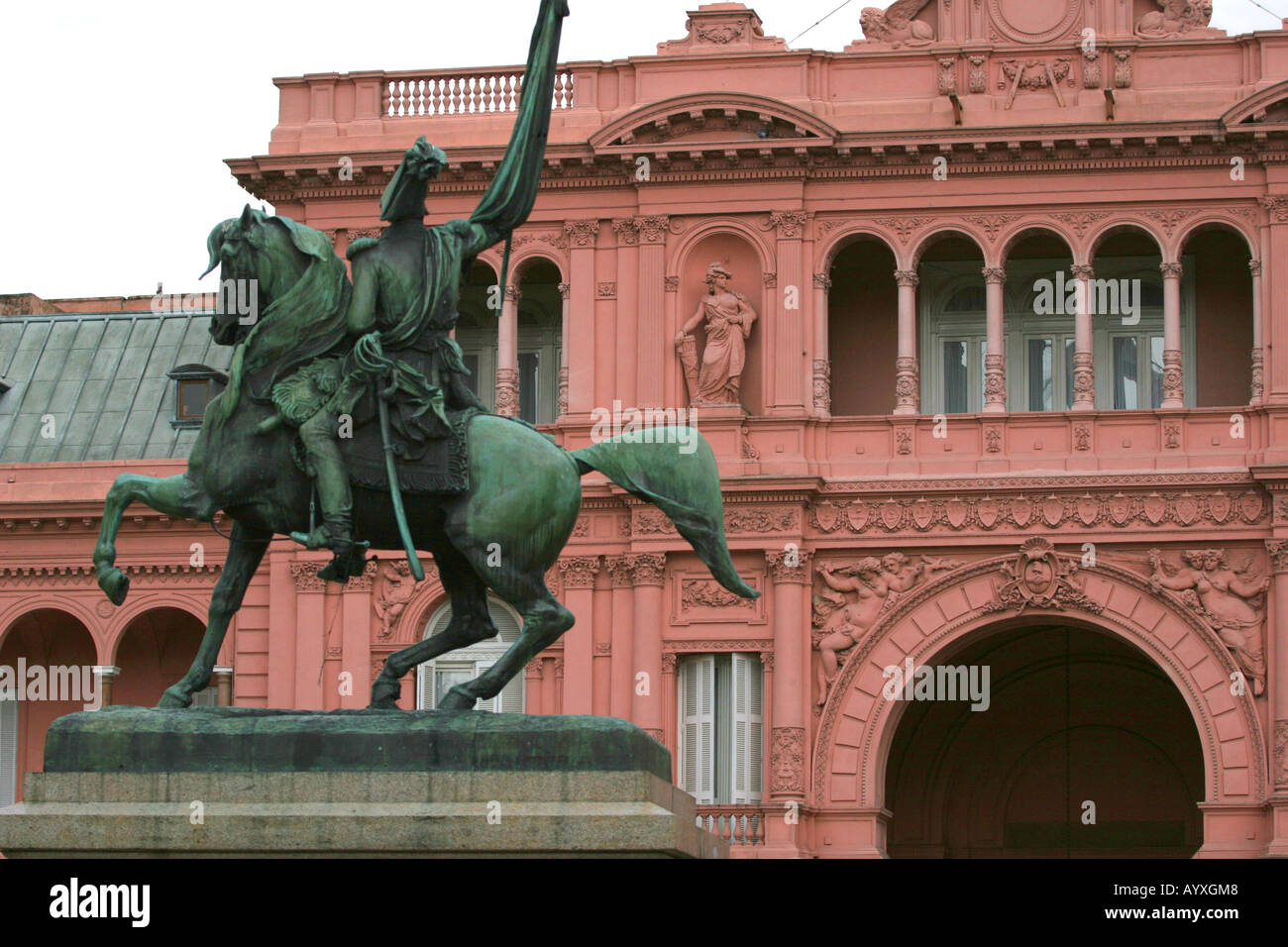 Close up of the Casa Rosada Pink House government house and a monument of Manuel Belgrano creator of the argentinian flag Taken - Stock Image