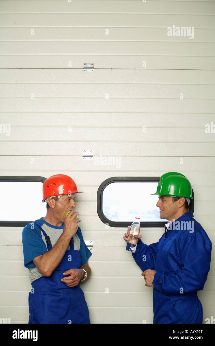 Two workers having a break - Stock Image