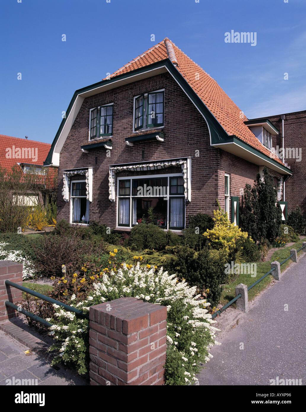Einfamilienhaus mit Vorgarten, Rijnsburg, Suedholland, Niederlande Stock Photo