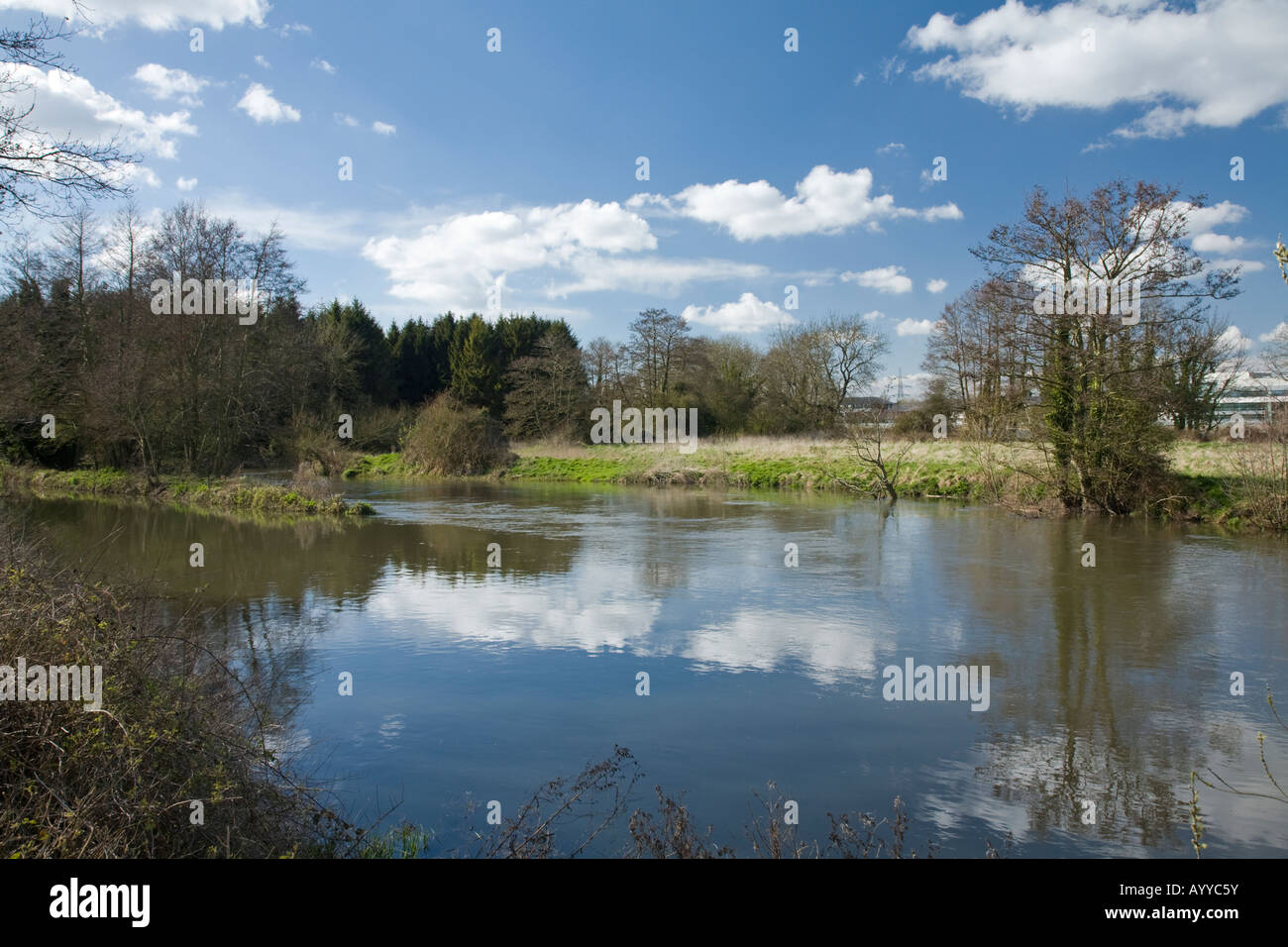 Junction of River Kennet and Kennet and Avon Canal below Garston lock Theale Reading Berkshire - Stock Image