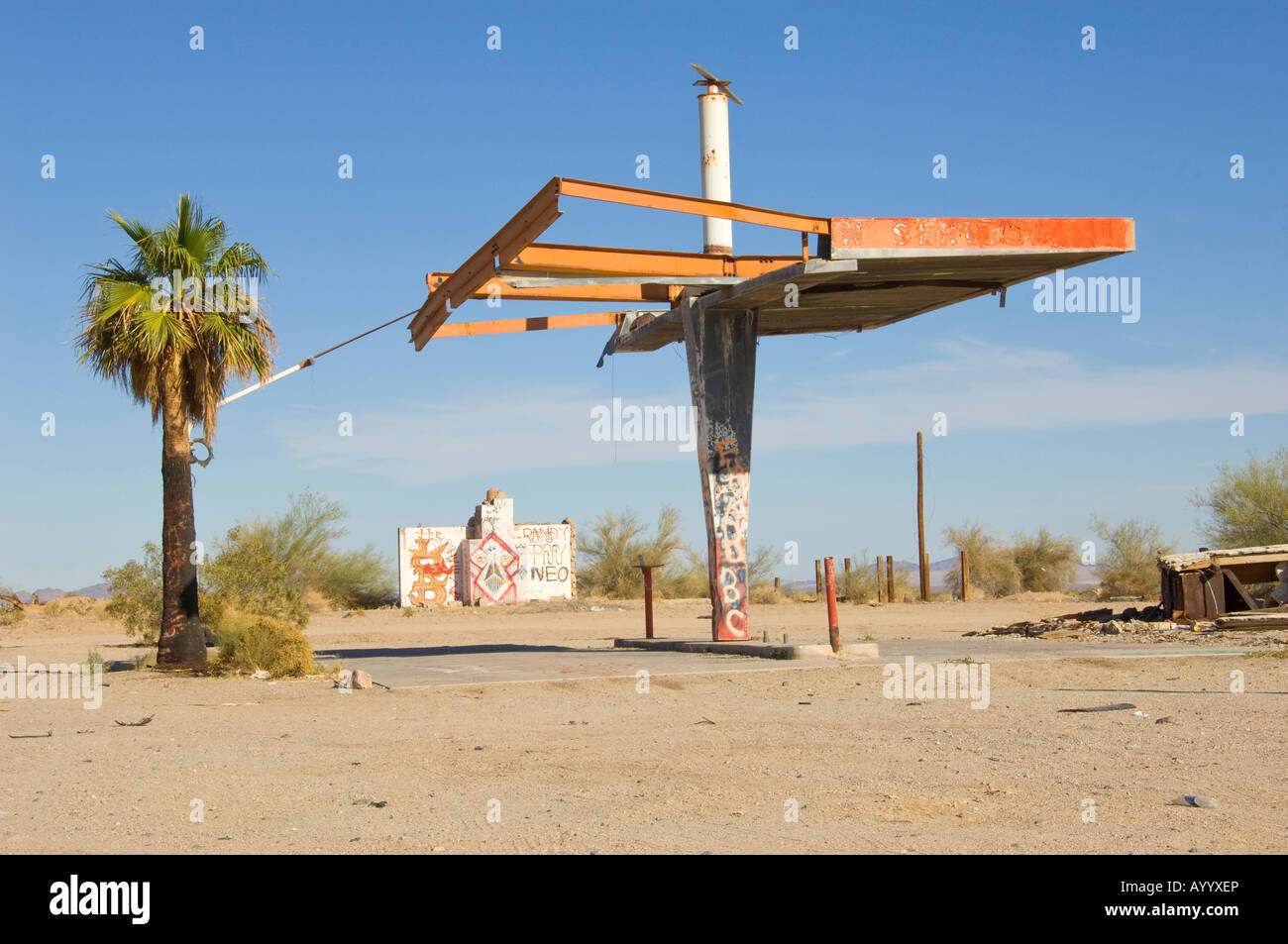 Old gas station in the middle of nowhere - Stock Image