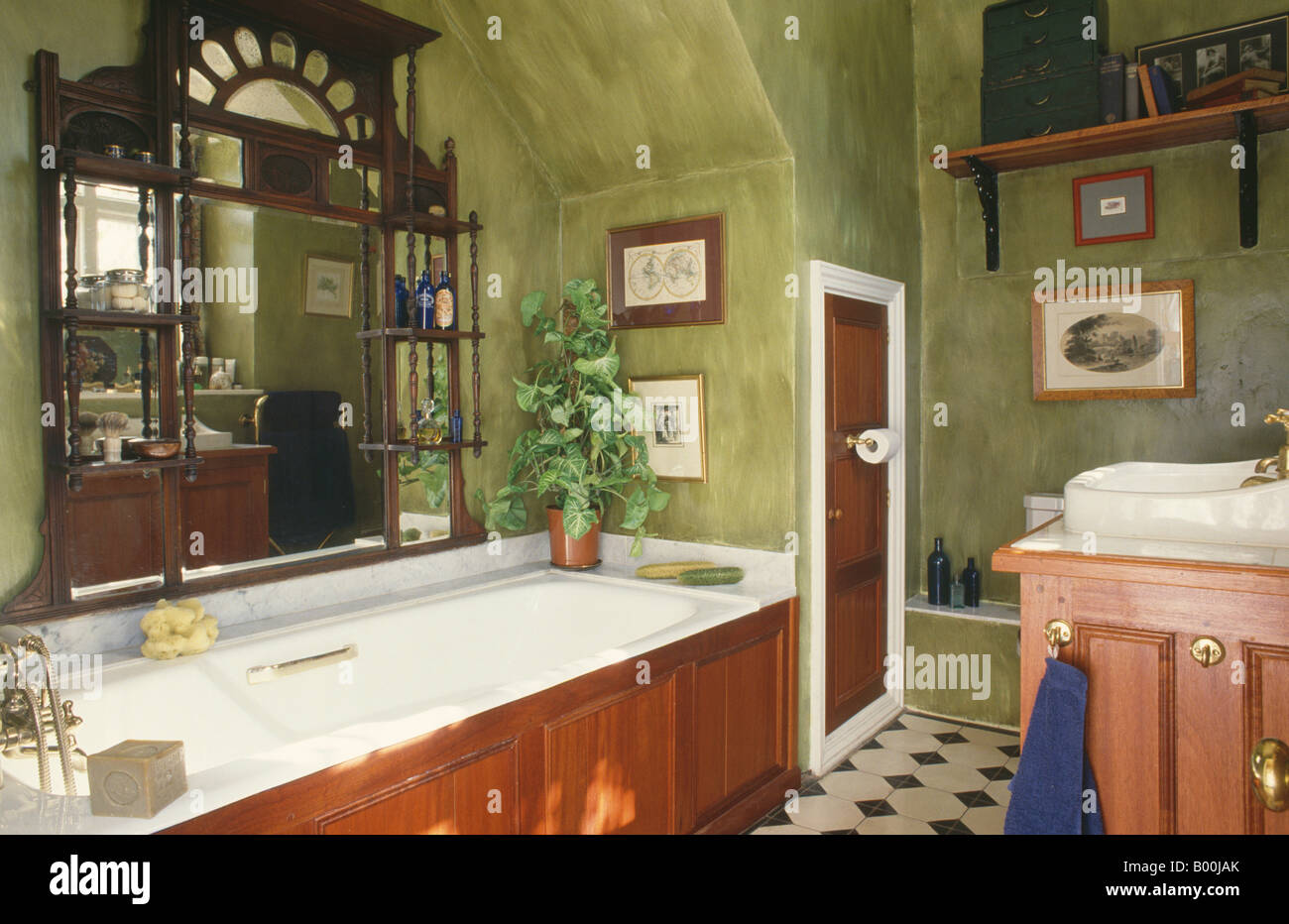 Edwardian Overmantel Mirror Above Bath In Green Dragged Paint Effect Stock Photo Alamy