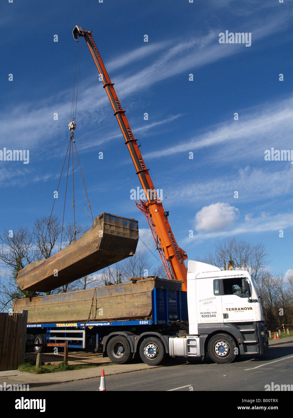 Lorry Crane Raising River Dredger Lifting Half