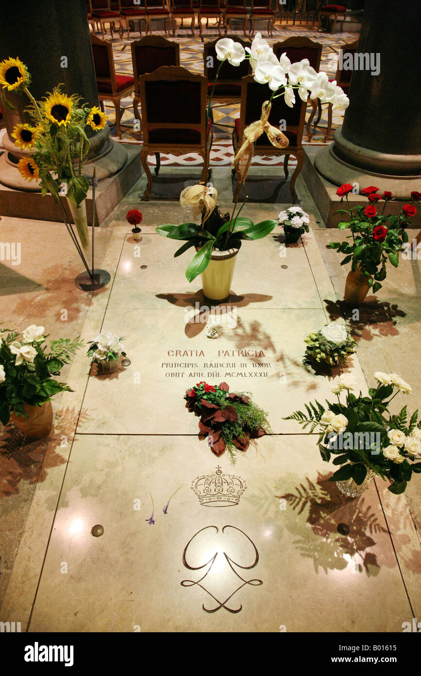 The grave of Grace Kelly (Princess Grace of Monaco); St. Nicholas Cathedral, Monte Carlo, Monaco - Stock Image