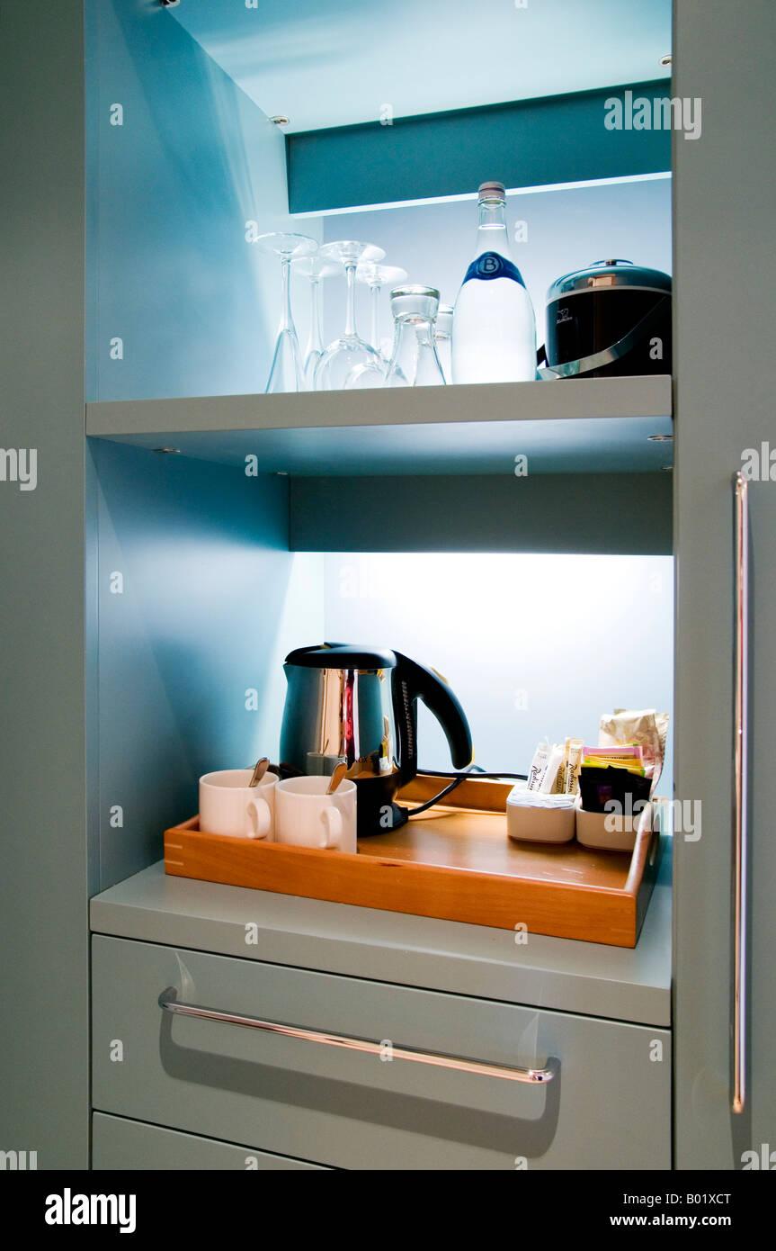 The hospitality area (tea coffee mini bar) in a good hotel  - Ireland - Stock Image