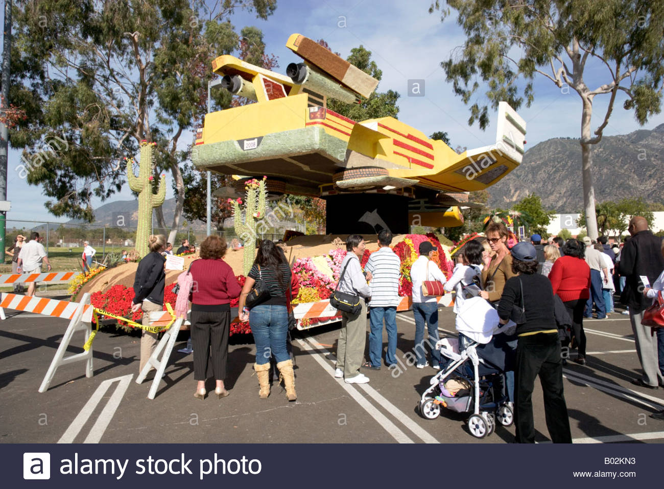 American Honda Motor Company Passport To The Future Rocketship Car At 2008 Rose Parade
