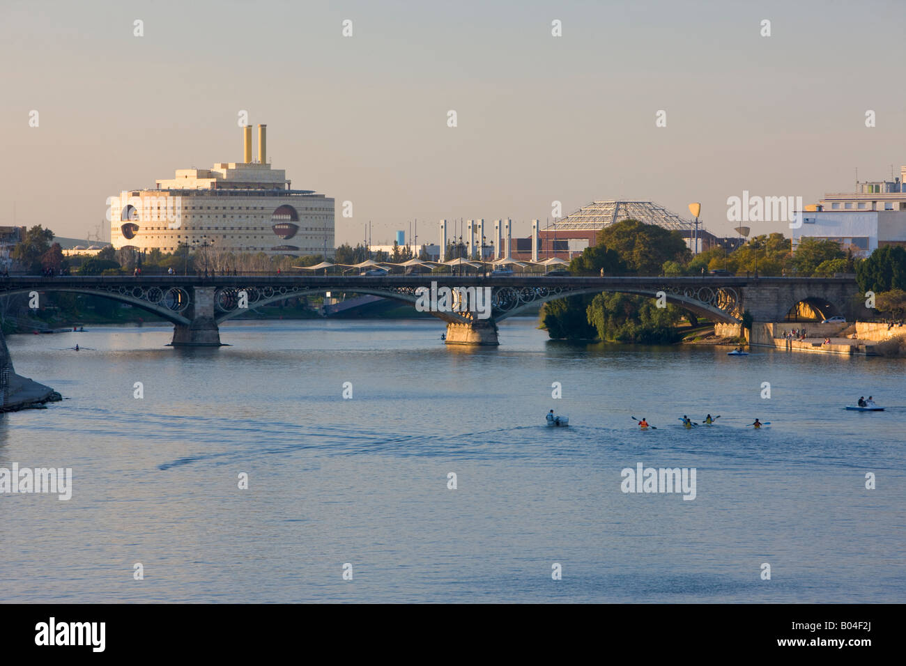 Torre Triana, on Isle de la Cartuja, and Rio Guadalquivir (River), City of Sevilla (Seville), Province of Sevilla - Stock Image