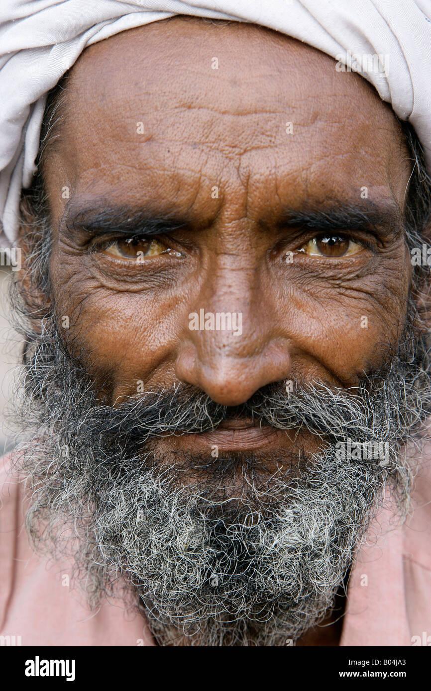 Portrait of elderly man wearing a turban, Jodhpur, Rajasthan, India - Stock Image