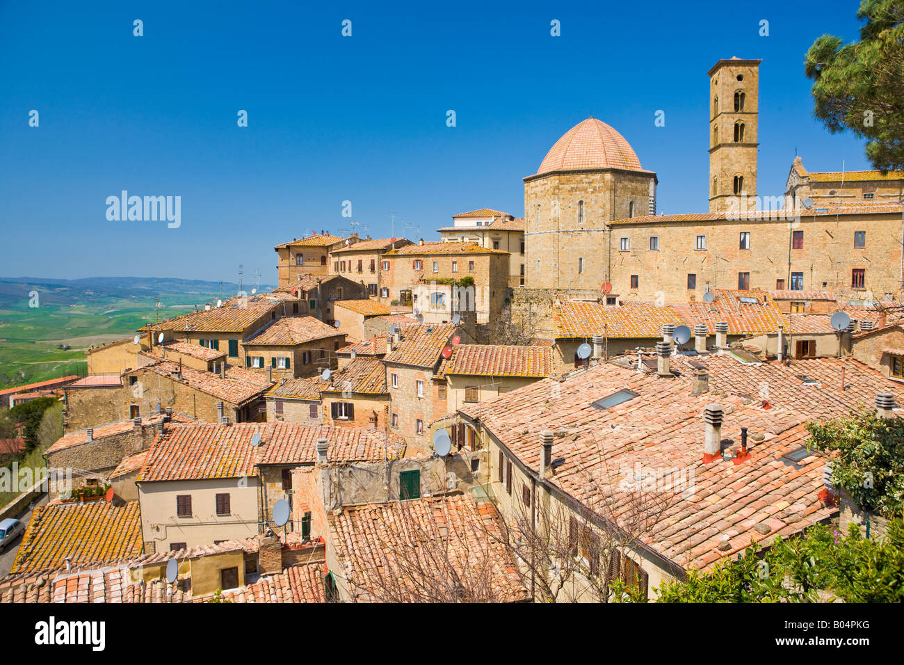 View over the rooftops of Volterra, Province of Pisa, Region of Tuscany, Italy, Europe. - Stock Image