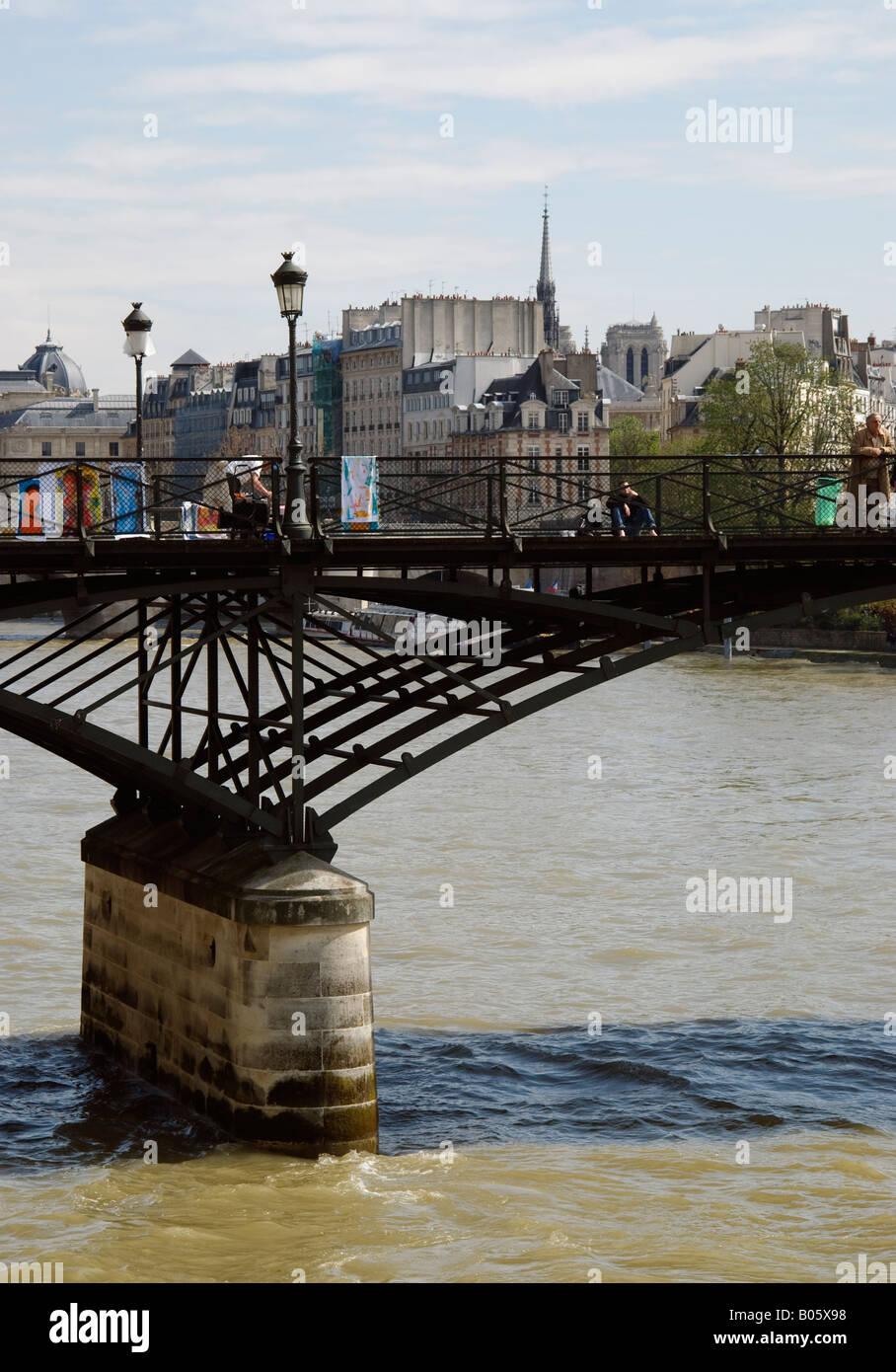 pont des artistes - Stock Image