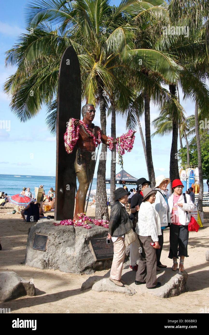 Bronze statue to Duke Kahanamoku on the sea front along Waikiki beach,Oahu,Hawaii - Stock Image