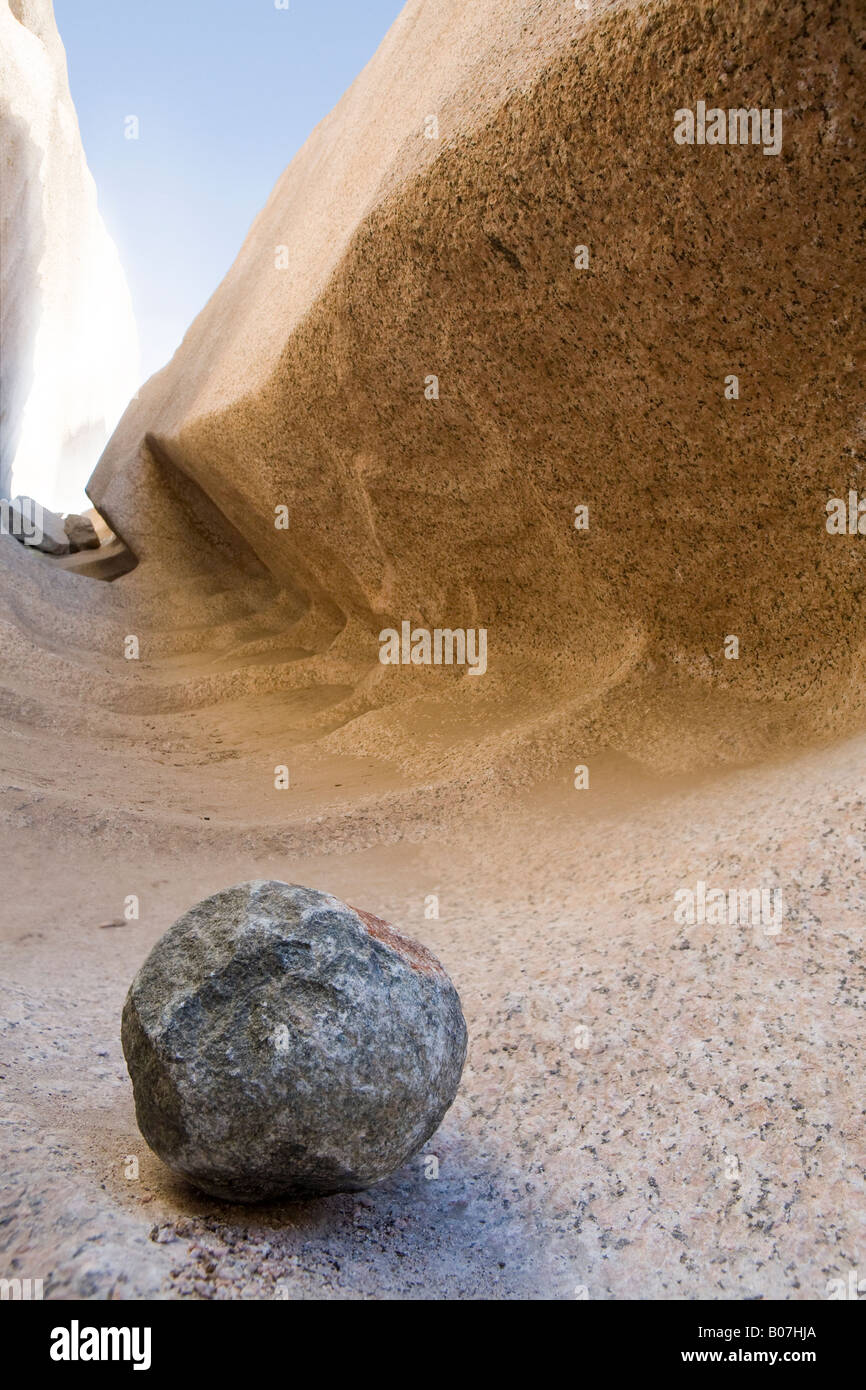 Quarry workings and diorite tool at the site of the Unfinished Obelisk, Aswan, Egypt. - Stock Image
