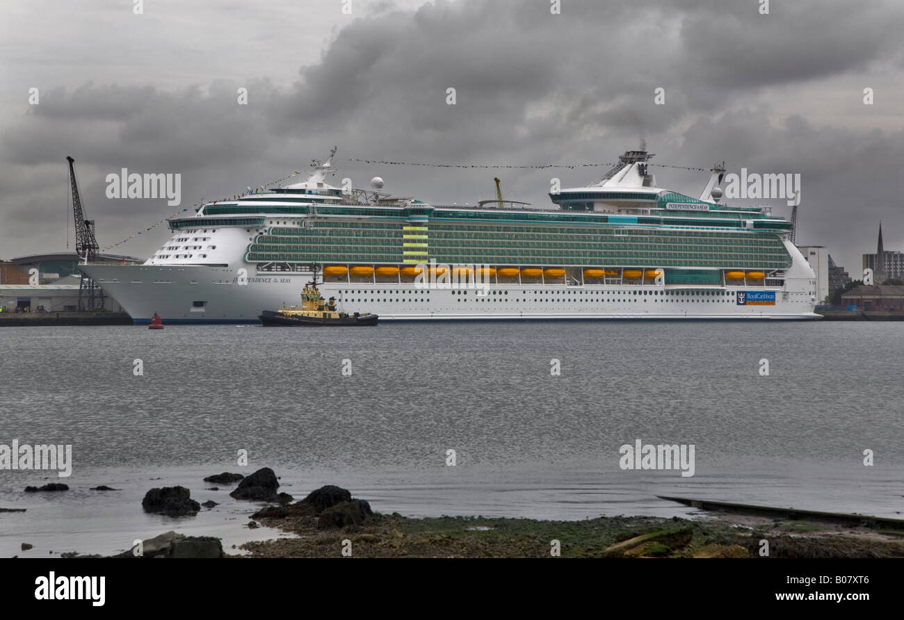 Royal Caribbean Independence of the Seas on her first visit to Southampton, Hampshire, England - Stock Image