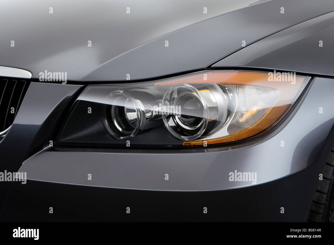 2008 Bmw 3 Series 328i In Gray Headlight Stock Photo Alamy