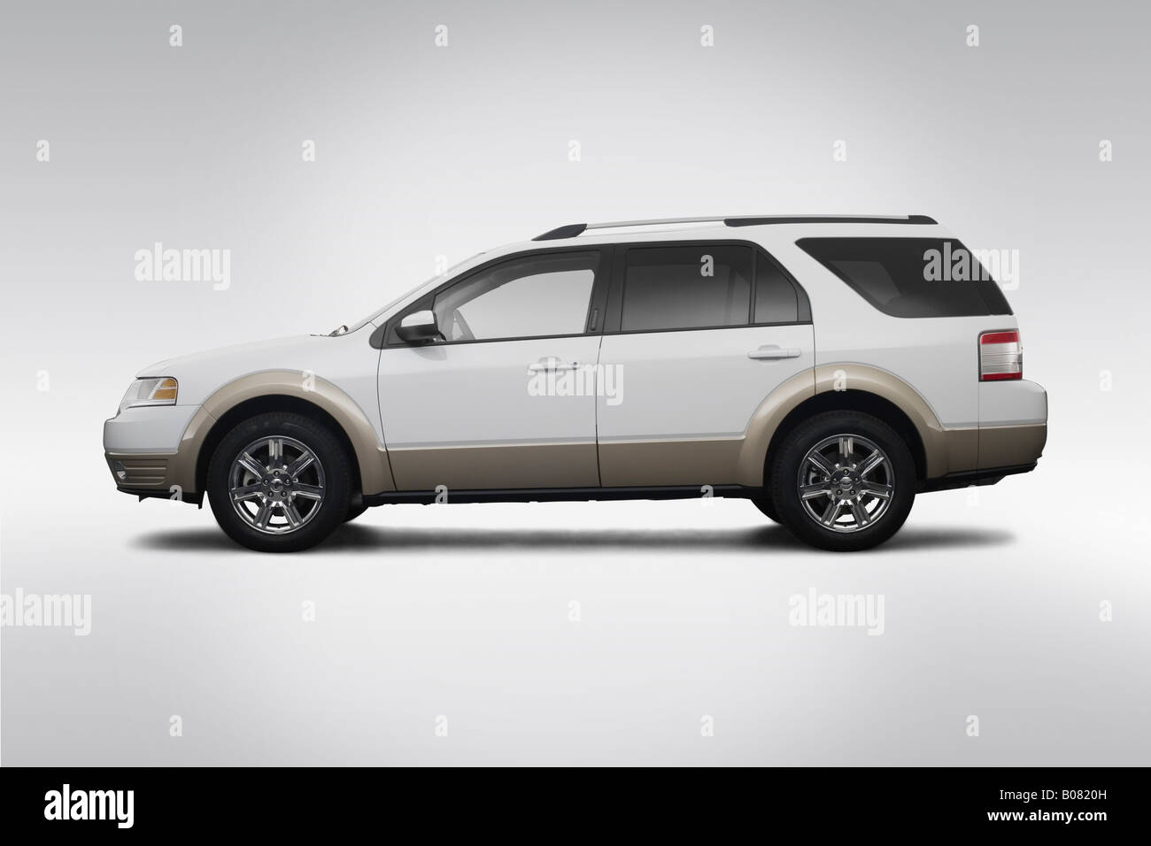 2008 ford taurus x eddie bauer in white drivers side profile