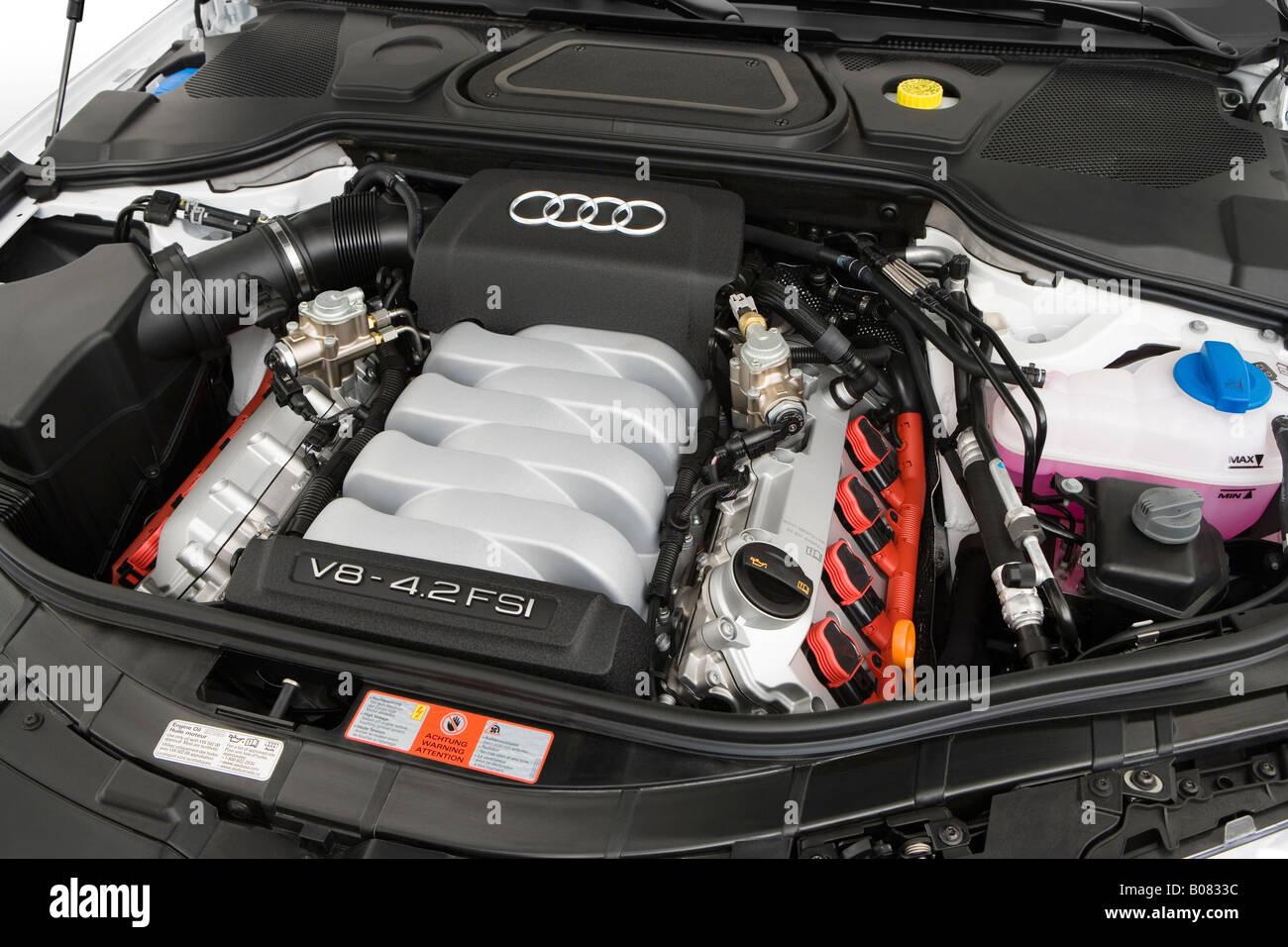 Kelebihan Kekurangan Audi A8 4.2 Quattro Harga