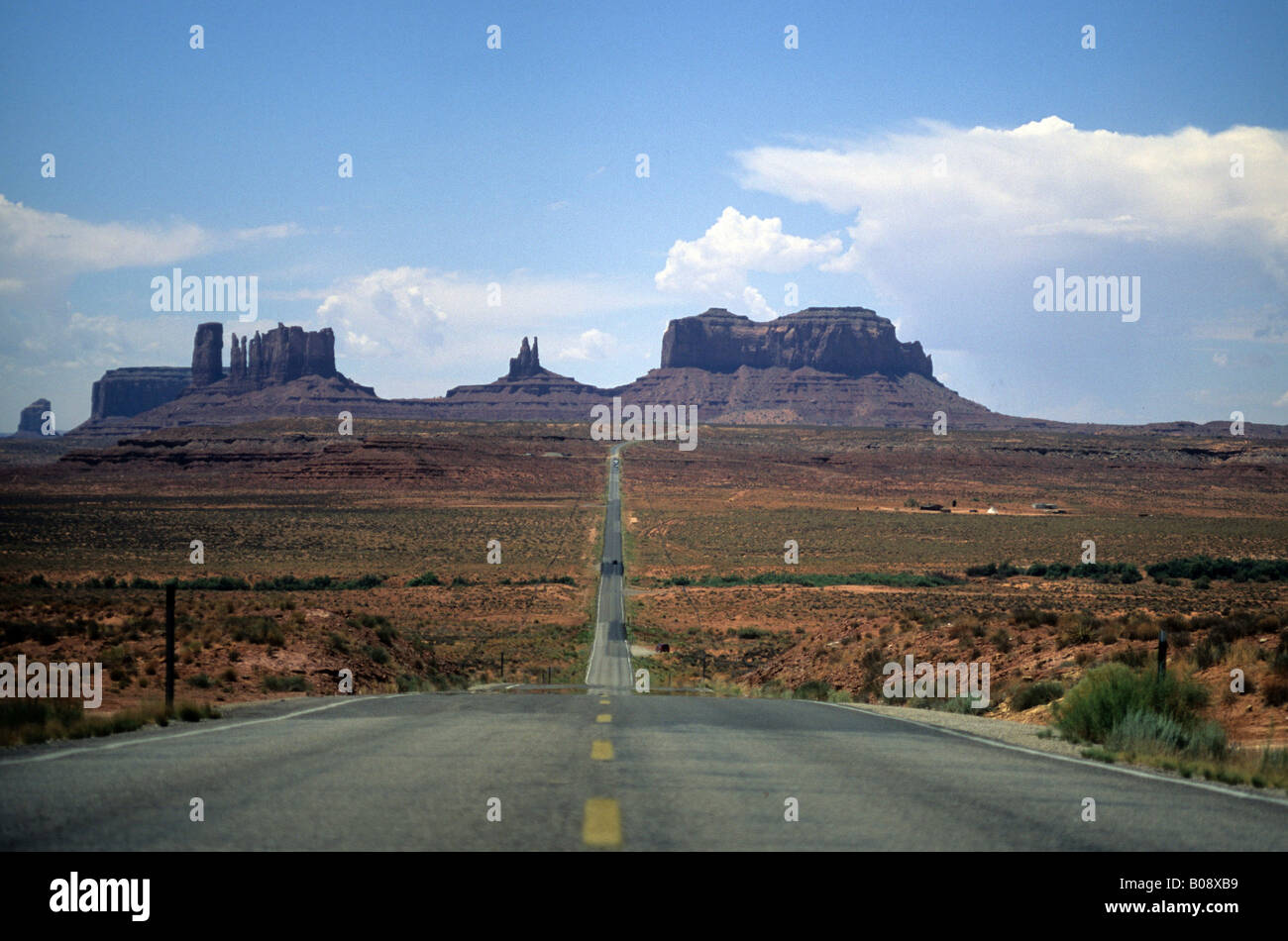 Highway going through Monument Valley, Southwest USA - Stock Image