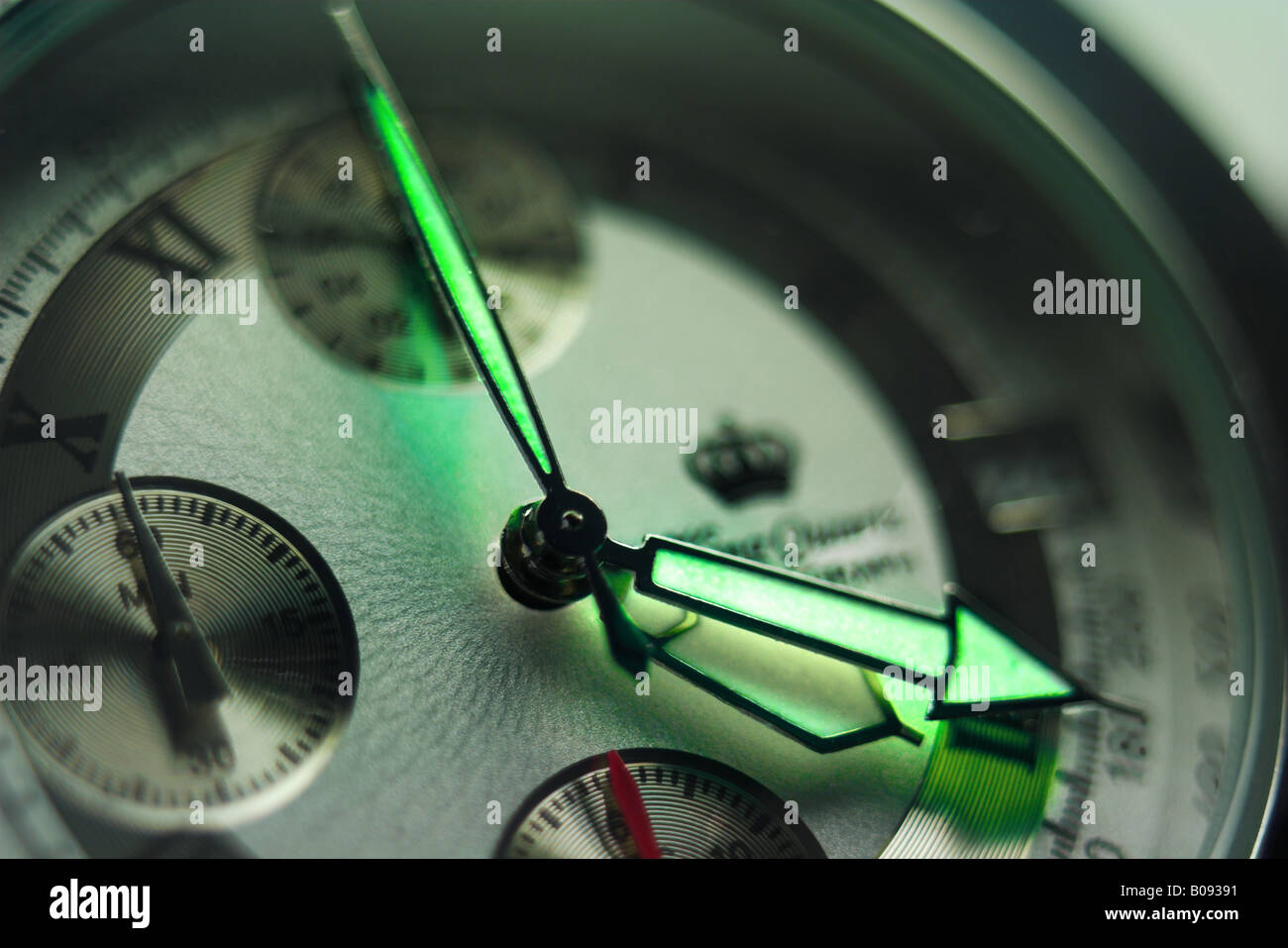 Wristwatch displaying 4:20:00 - Stock Image