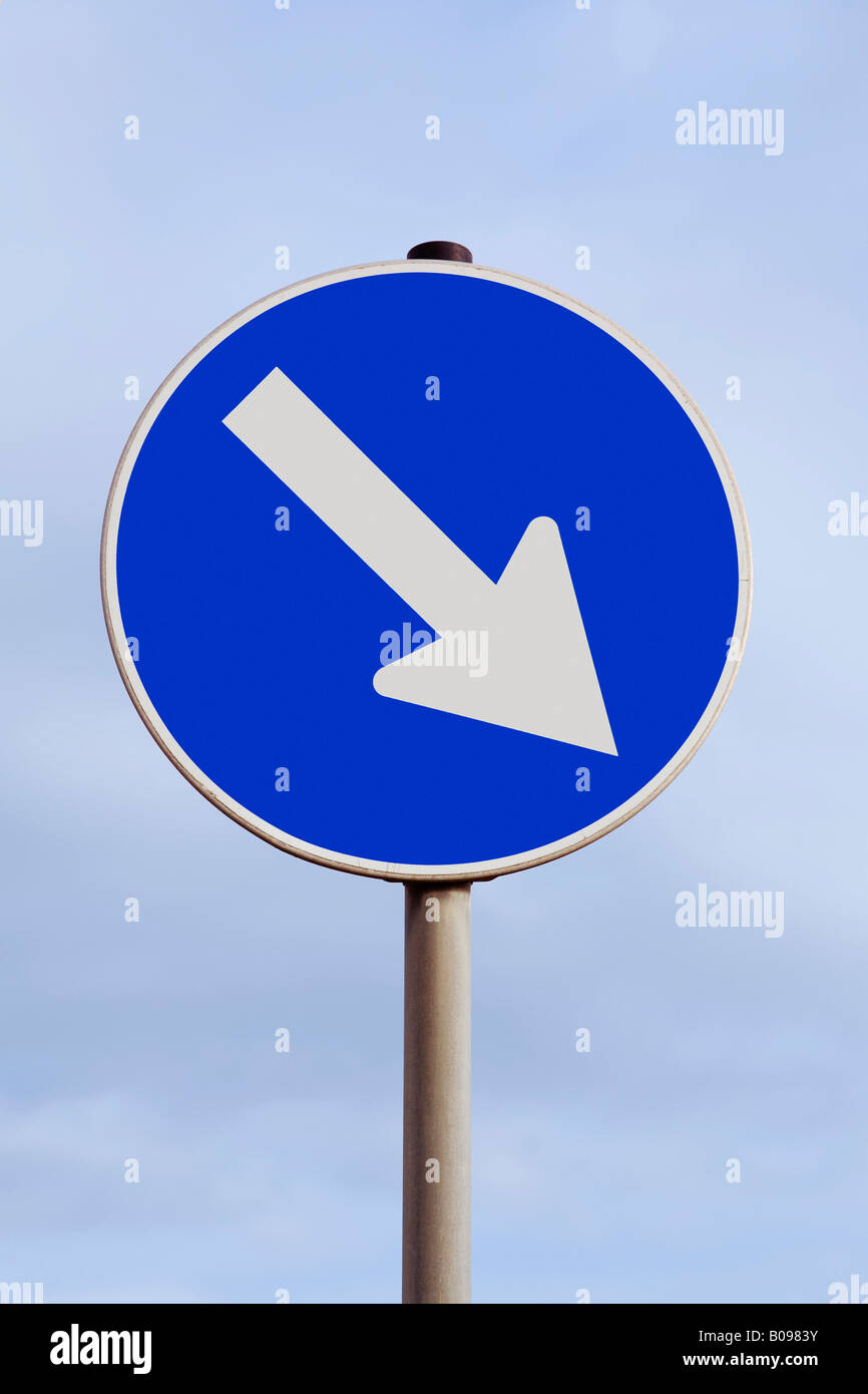 Traffic with an arrow pointing down and to the right, decline, fall, falling stocks, southeast - Stock Image