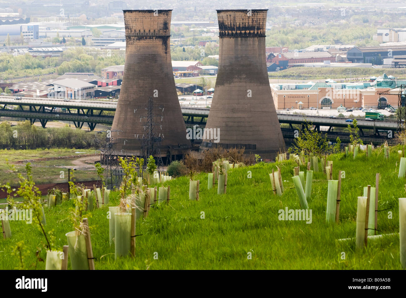 Tinsley cooling towers the m1 motorway and Meadowhall shopping center  in Sheffield 'Great Britain' - Stock Image