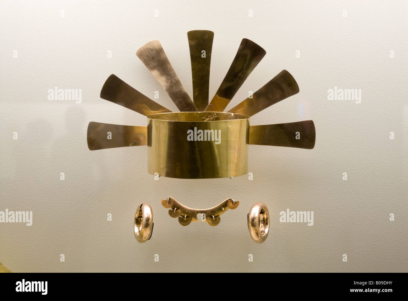 Pre Columbian gold artefact in the Museo del Oro, Bogota, Colombia - Stock Image