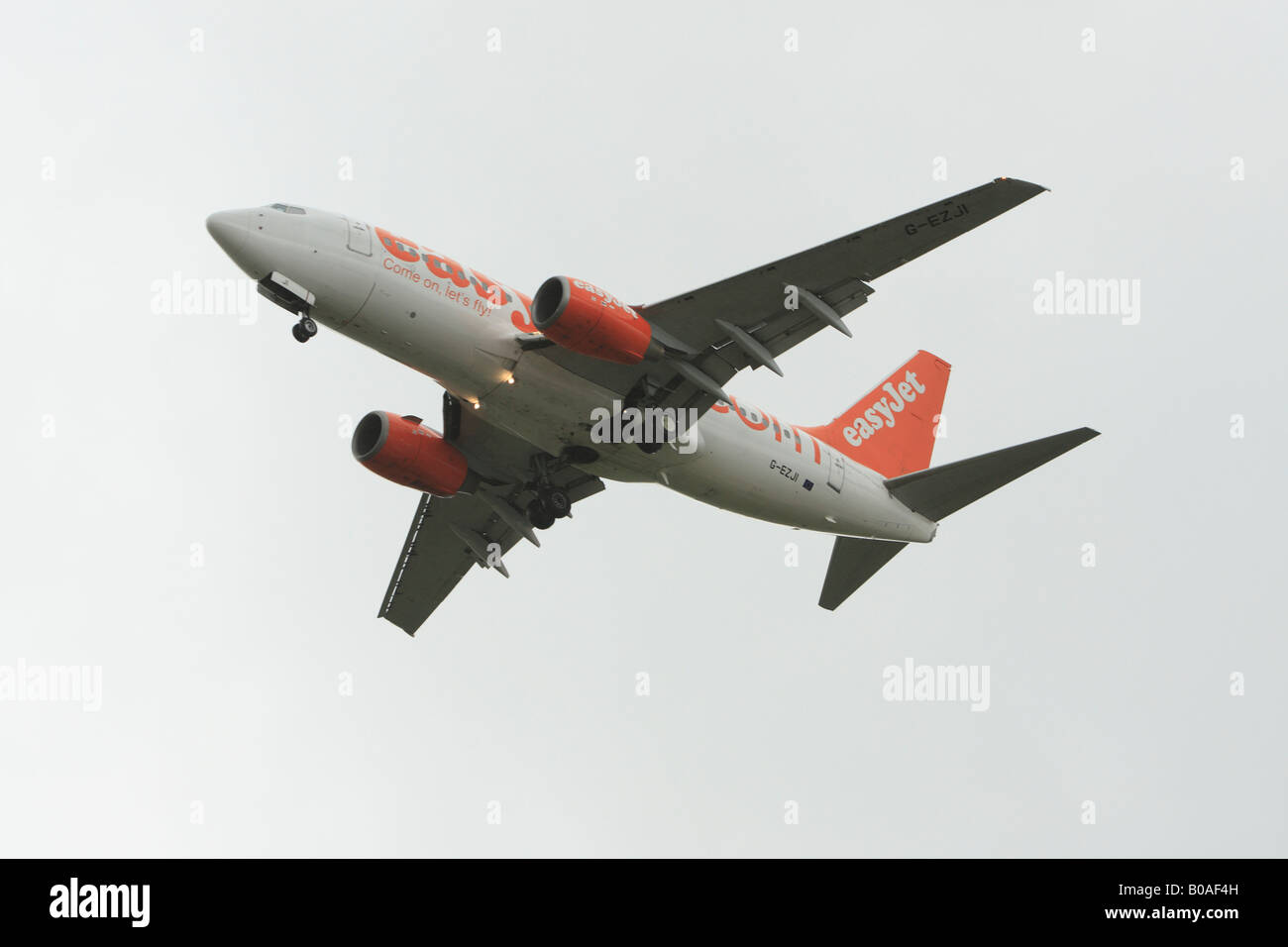 Aircraft on final approach to landing at Luton Airport Stock Photo