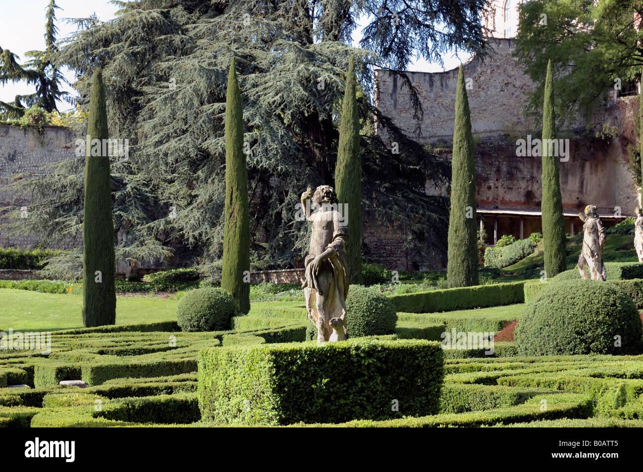 Italy verona statue garden stock photos italy verona for B b giardino giusti verona