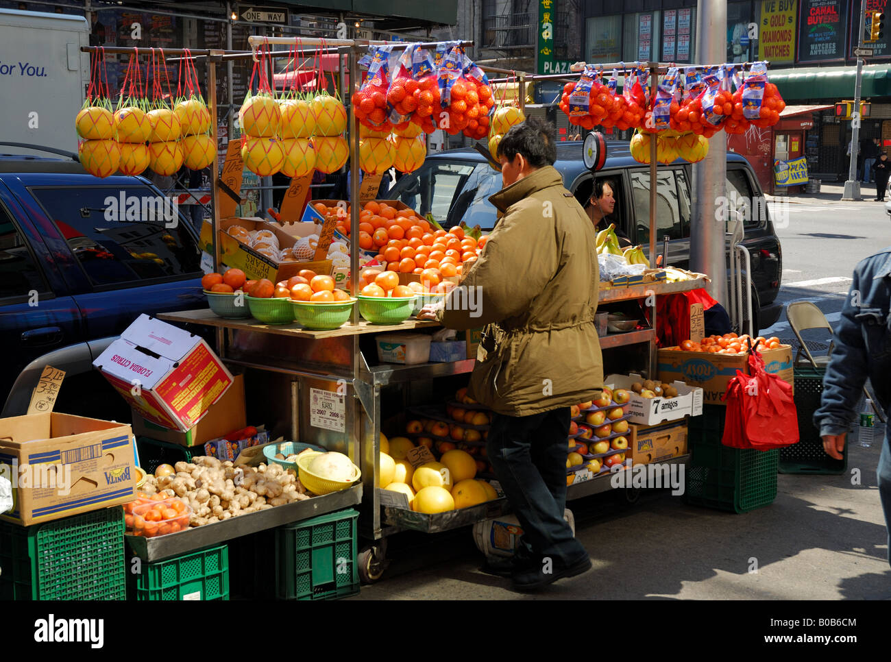 Greengrocery in Chinatown, New York - Stock Image