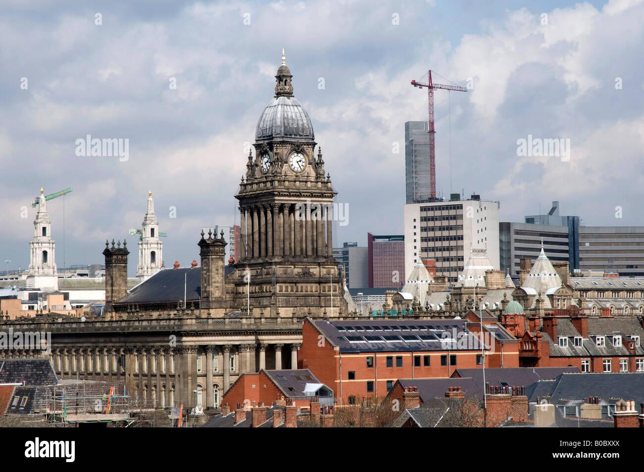 Leeds Town Hall and Financial District, Leeds, Northern England - Stock Image
