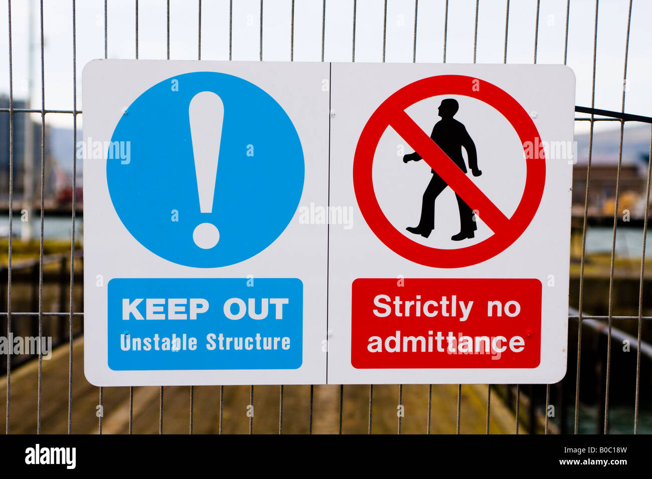 Sign saying Keep Out N Admittance Thompson Graving Dock, Harland and Wolff Shipyard, Belfast - Stock Image
