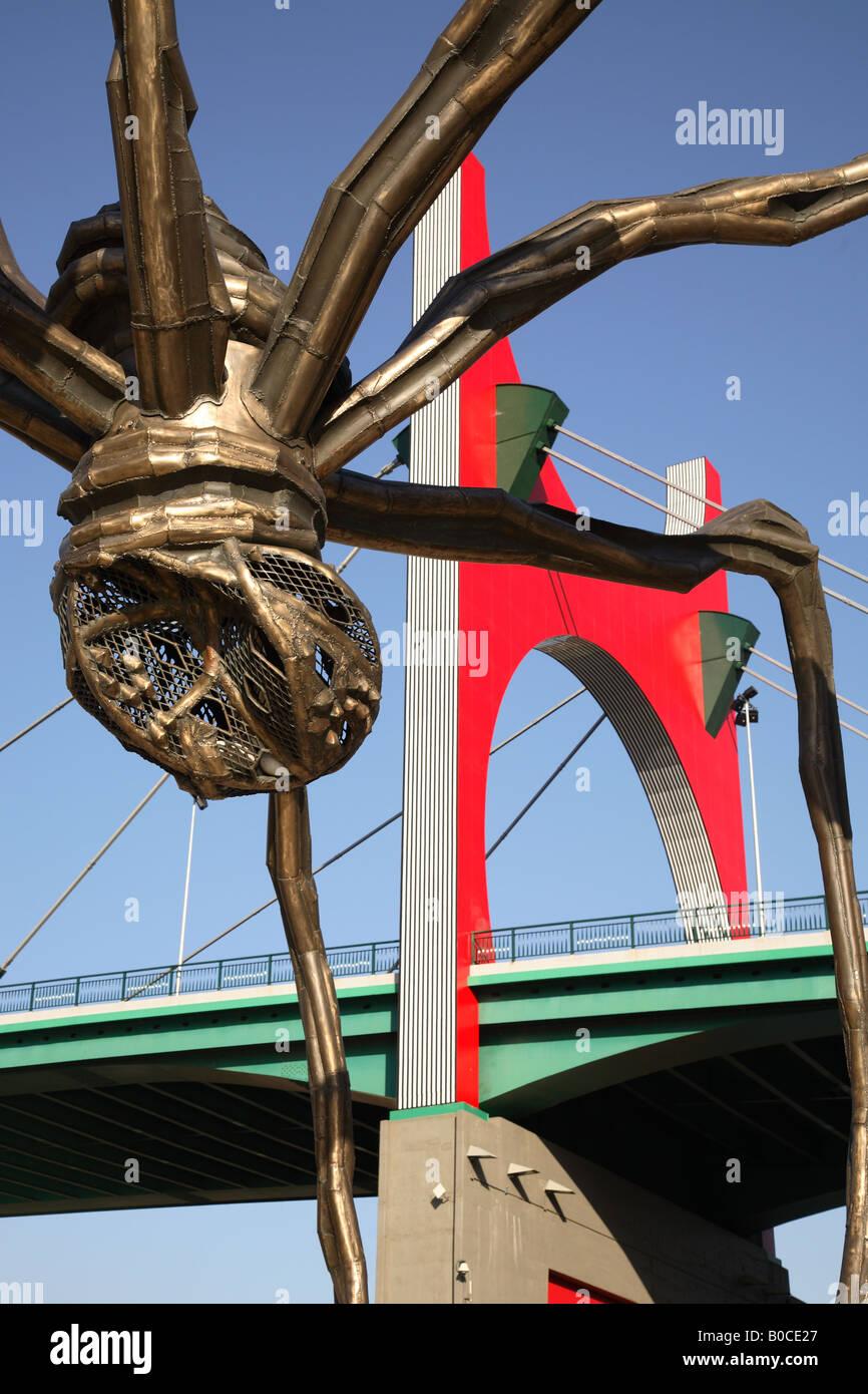 Puente de la Salve Bridge by Daniel Buren and Spider Sculpture by Elizabeth Bourgeois, Bilbao, Euskadi, Basque Country, - Stock Image