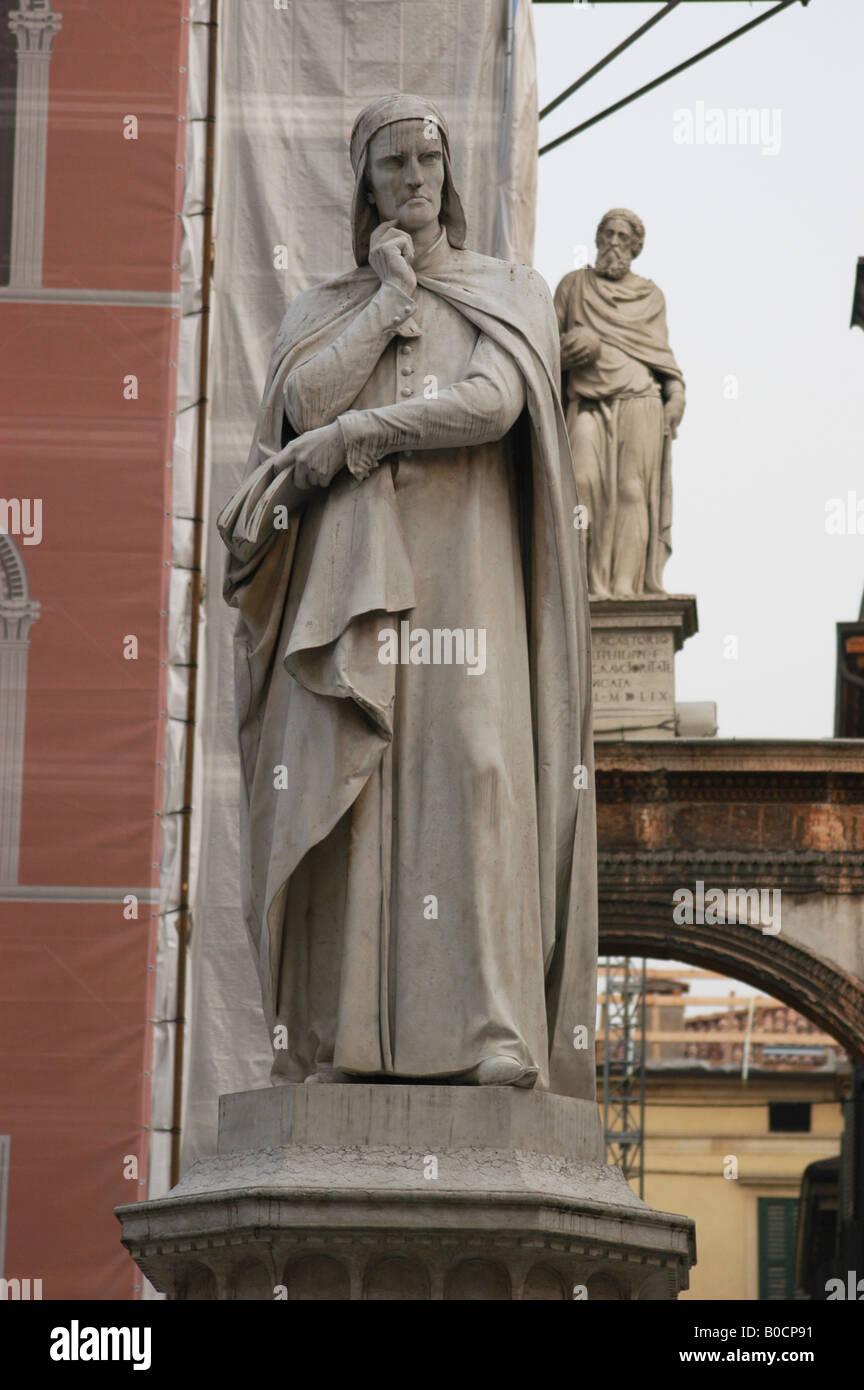 Monument to Dante Alighieri in Piazza dei Signori in Verona - Veneto North Italy - Stock Image