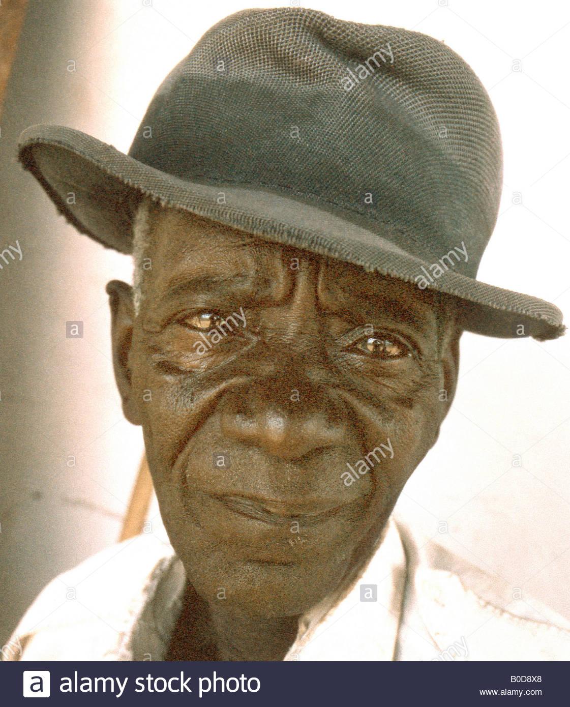 Tanzania African man Tanzanie Afrique de l'Est East Southern Africa portraiture portraits - Stock Image