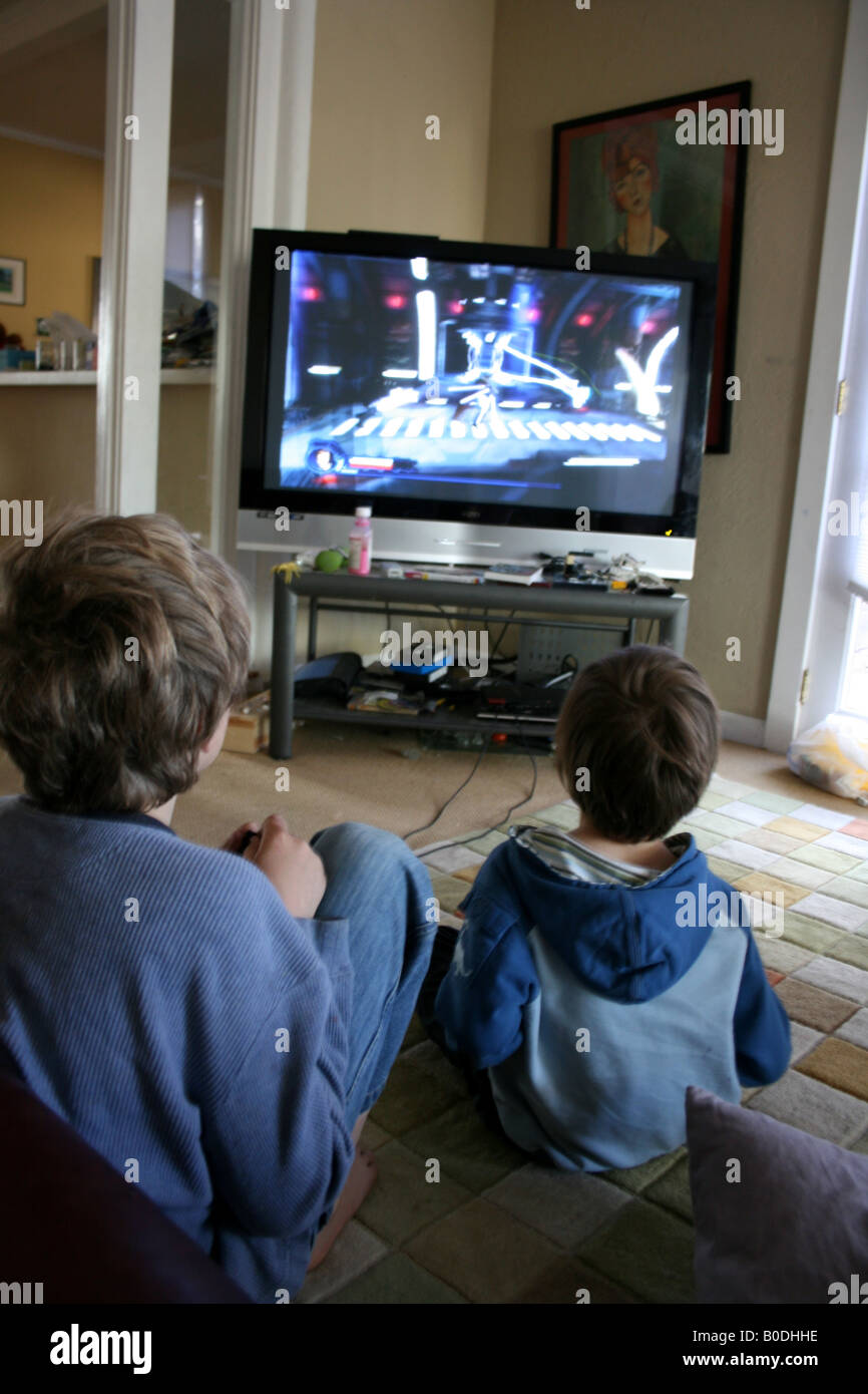 the outlet for children violence is in your living room the television The american academy of pediatrics recommends that children under the age of 2 watch no television at all, and after age 2 watch no more than one to two hours of quality programming a day.