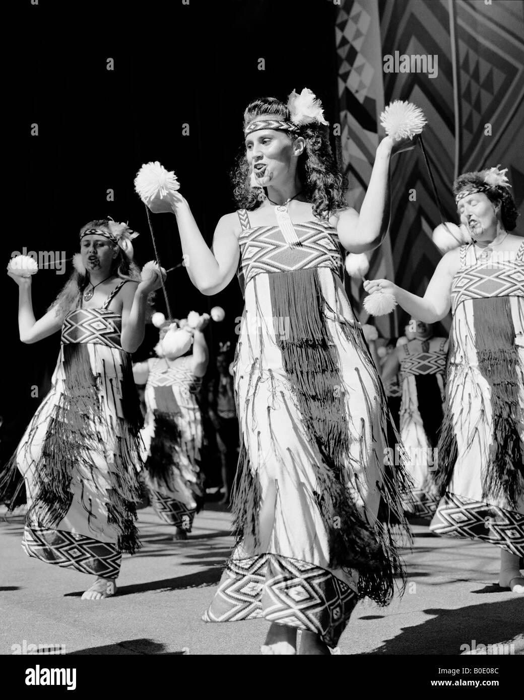 Maori poi performed by Nga Tai E Rua Upper Hutt New Zealand - Stock Image