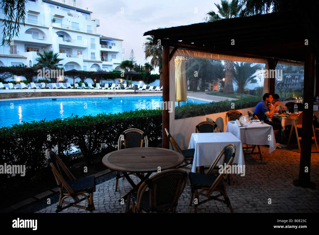Picture Gallery - Page 18 Disappearance-of-madeleine-mccann-restaurant-of-the-resort-the-ocean-B0E23C
