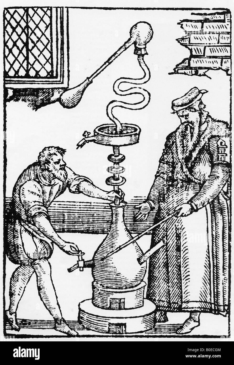 ALCHEMY  Elizabethan engraving showing two Alchemists trying to distil the imagined Elixir of Life - Stock Image