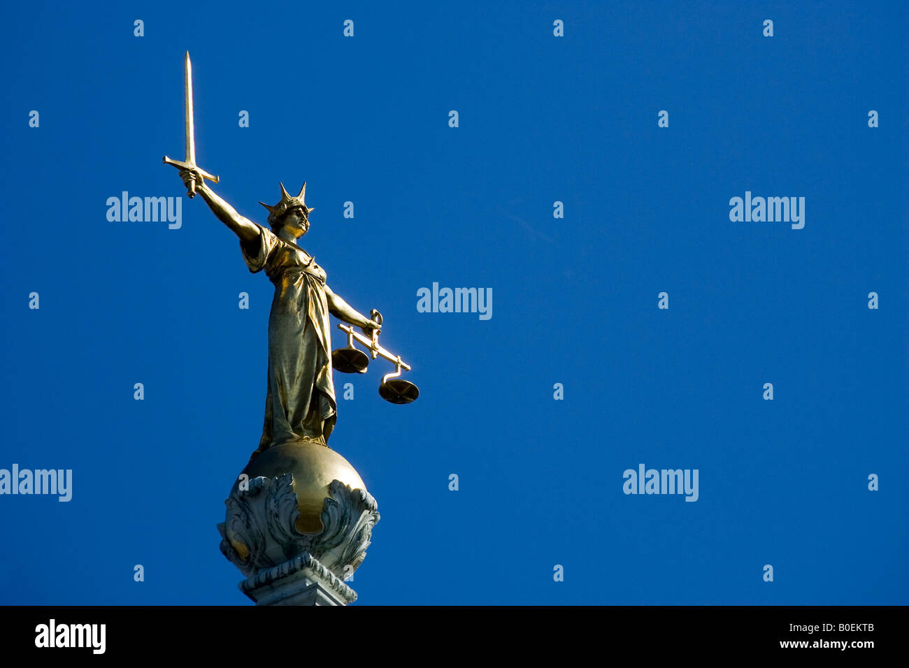 Statue of Justice Old Bailey Central Criminal Court - Stock Image